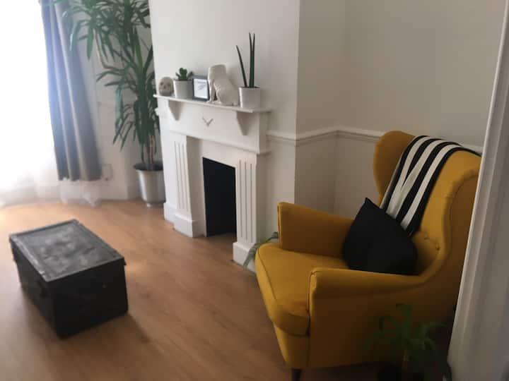 Beautiful room with big back garden