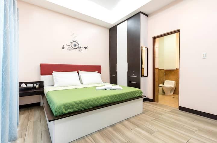 CUARTO ROSA, Master Bedroom w/ Bath & Jacuzzi