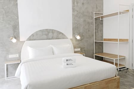 *NEW | Stay = Support | King Bed (HOOD HOSTEL)