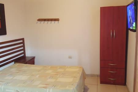 El Piloto Apartments: mini departamentos, Iquitos - Iquitos