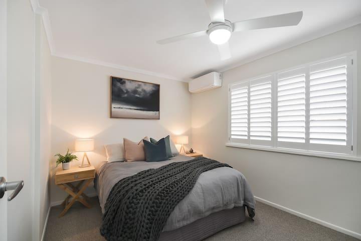 Main Queen bedroom with A/C