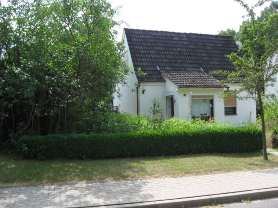 kleines ferienhaus in 21244 buchholz ot guesthouses for rent in buchholz in der nordheide. Black Bedroom Furniture Sets. Home Design Ideas