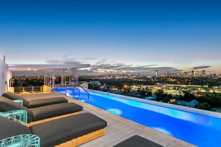 Unbeatable Value - City Views & Rooftop Pool. - Coorparoo - アパート