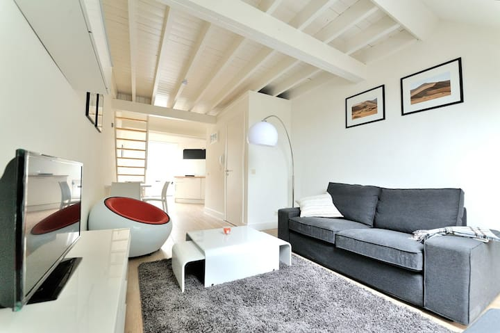 Duplex Flat Brussels, Rue des Capucins (39-3D)