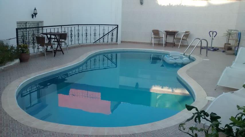 Grande villa & piscine
