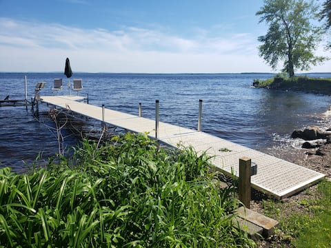 Allendell's peaceful cottage on Oneida Lake