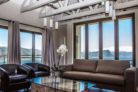 Elegant & Luxury Home & Great Views - Wine House - Cape Town