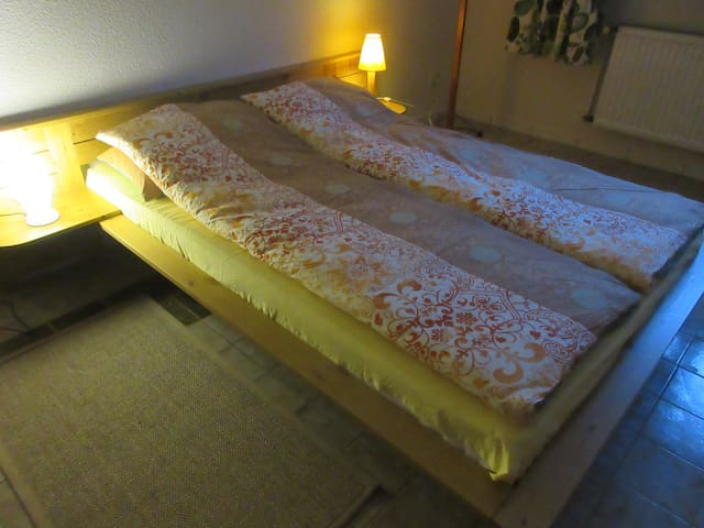 Schön und neu eingerichtetes Ein-Zimmer-Apartment