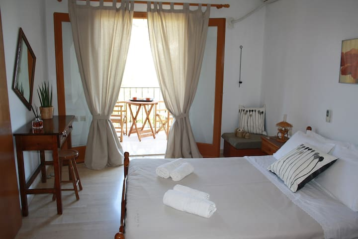 Lagada Holiday Rooms #1