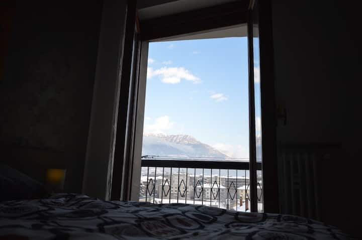 LYS (Modern and lovely flat with terrace in Aosta)