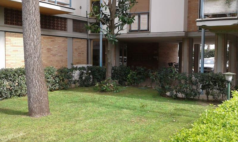 Appartamento posto a 5 minuti a piedi dal mare - Massa - Lejlighed