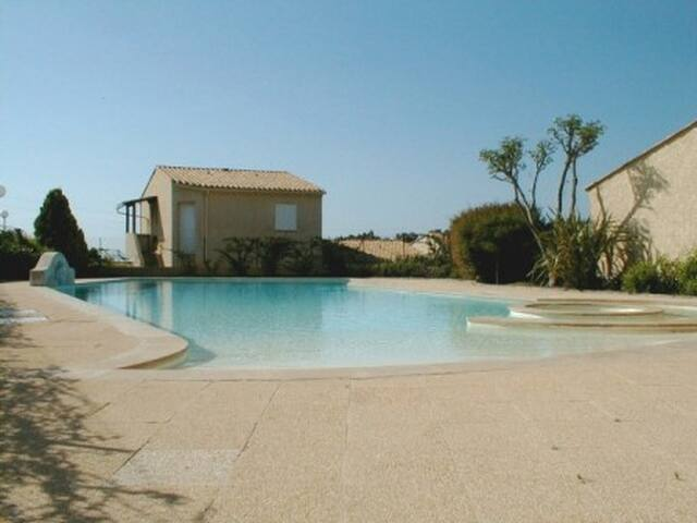 New Apartment 2 bedrooms , Pool, 500m from the Sea