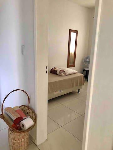 Porta para acesso ao quarto 1