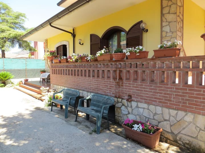 Casa con ampie stanze e Bagno privato A Montoro