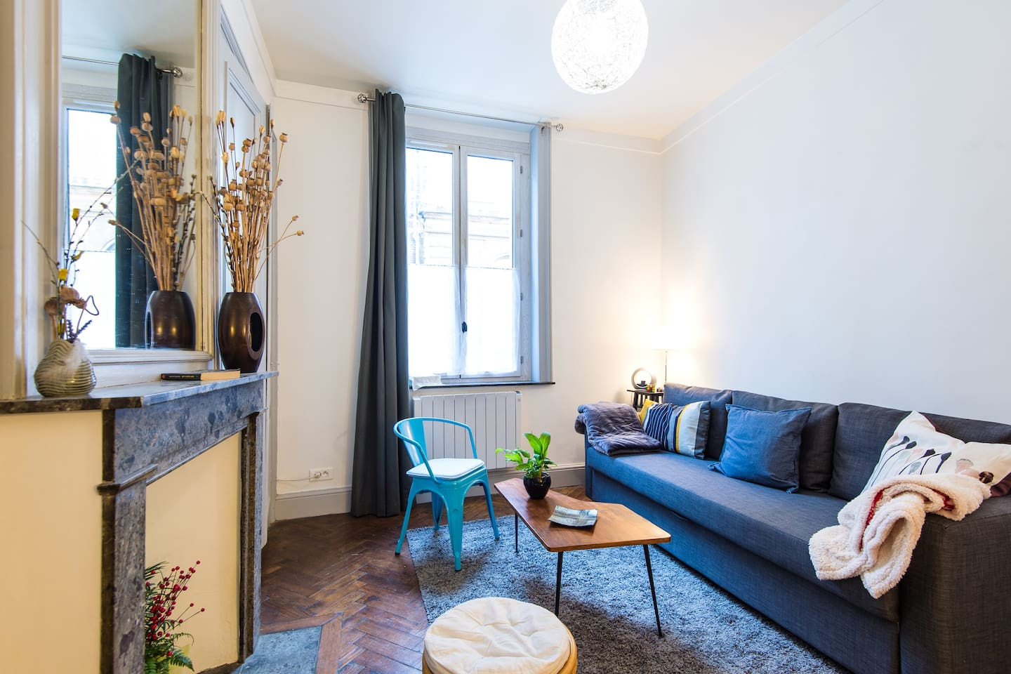 Cosy living room with Wifi, TV, HiFi system and a large clic clac sofa for 2 adults