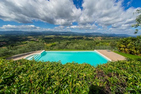 Apt. Il Lauro, in Agritourism with panoramic pool - Loro Ciuffenna