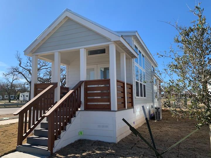 The Bergstrom- Luxury Tiny Home in Austin, TX