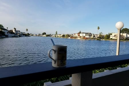 Private bedroom/bathroom, parking & lagoon view - Foster City - Lakás