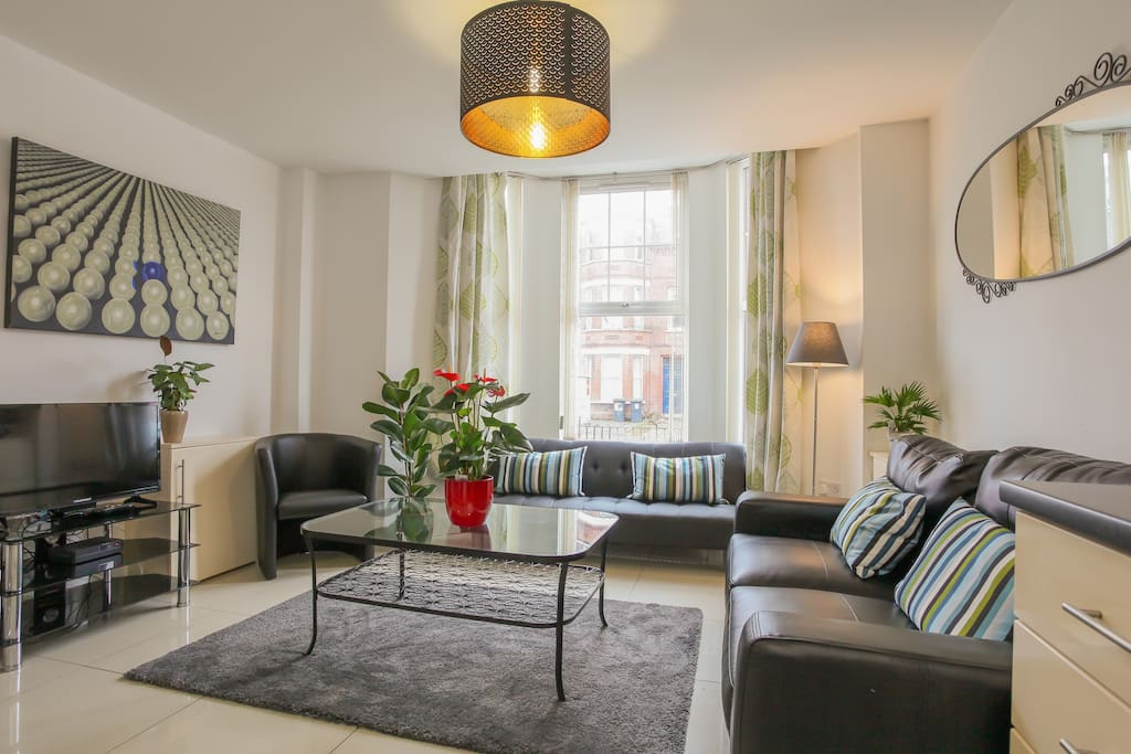Modern 2 Bed luxury apartment Malone Ave, Belfast ...