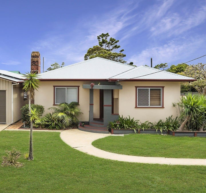 Wattleseed Beach House - Pet Friendly