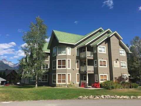 Top floor updated Timberline Condo