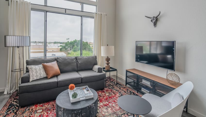 Stylish Loft 1BR in Tempe #4081 by WanderJaunt
