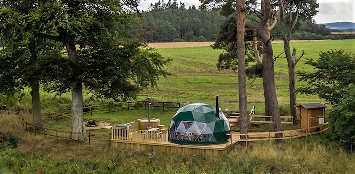 Satori Dome - off-grid geodesic dome with hot-tub