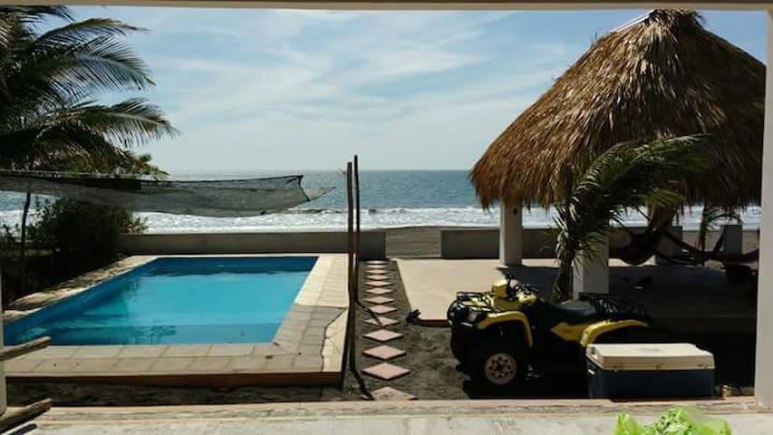 Hawwaii - Monterrico (Beach Front House)