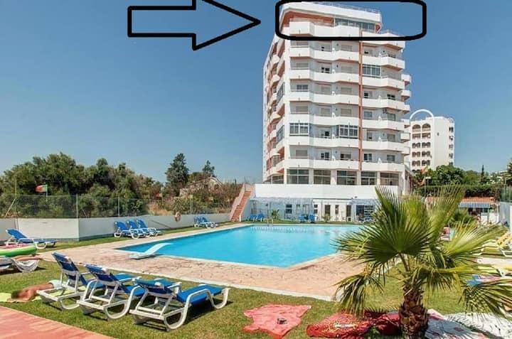 Apartamento com vista do mar em toda propriedade!