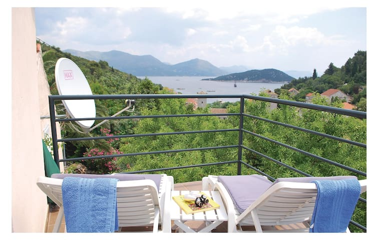 Holiday cottage with 2 bedrooms on 69 m² in Sipanjska Luka