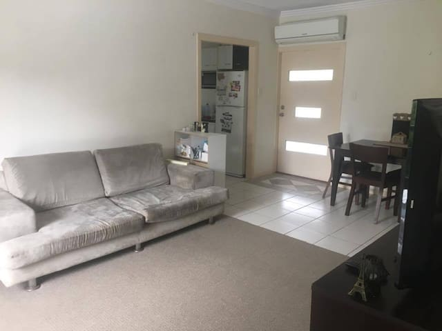 500m to North Burleigh Beach, wifi included! - Miami - Apartemen