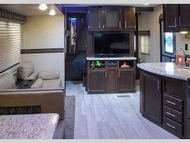 Luxury RV Living - Lot #2 (7 beds!)