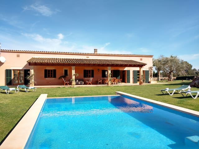 Exclusive Finca with Villa near Bahia de Alcudia