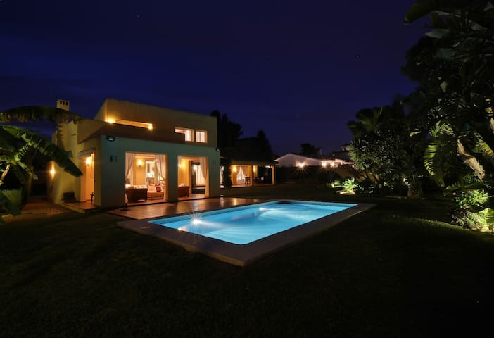 Hedo Villas Marbella Incanto de Mar luxury holiday