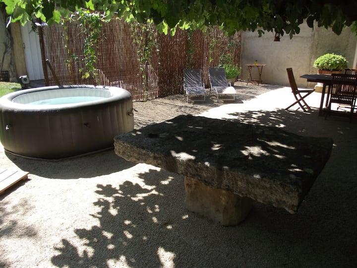 Maison de campagne en Provence, au calme