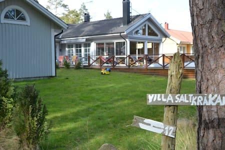Oceanview Villa Saltkrakan - Oknö
