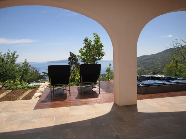 Sea view apartment at Villa Oscar - Veprinac