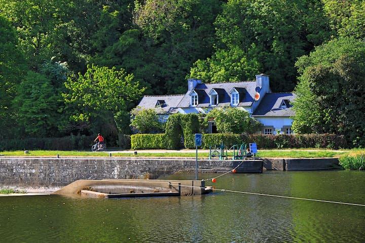 Schleusenhaus Frankreich - Châteauneuf-du-Faou - Casa