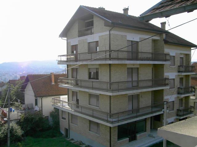 House for rent 700 sqm floor space - Prokuplje - House