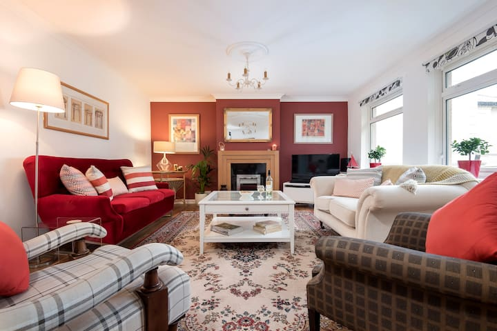 Braeside ~ A spacious holiday home in Torquay