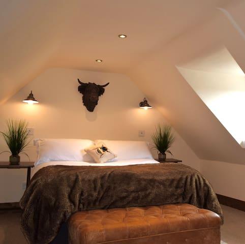 Fyrish Retreat Double Bedroom