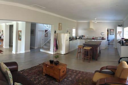 Open plan family home in La Lucia - La Lucia