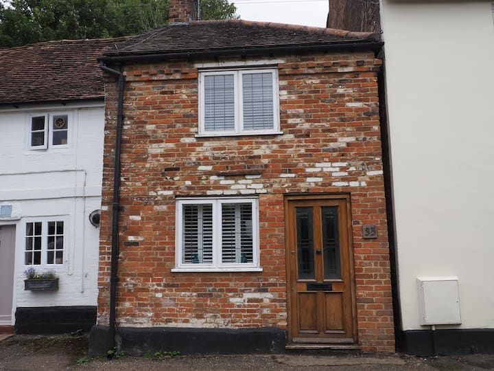 Stylish cottage in the heart of Farnham