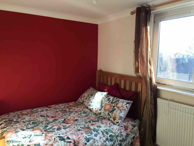 Central London -15mins fromTottenham Court Road