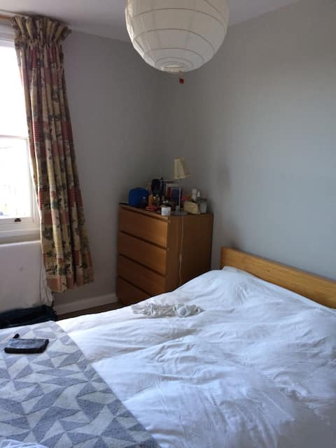 Tranquil double room in Camden