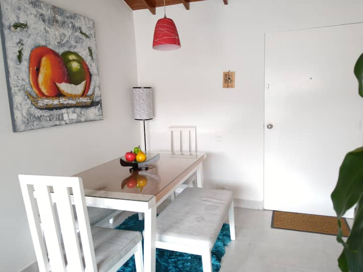 Apartamento tranquilo y seguro en el poblado