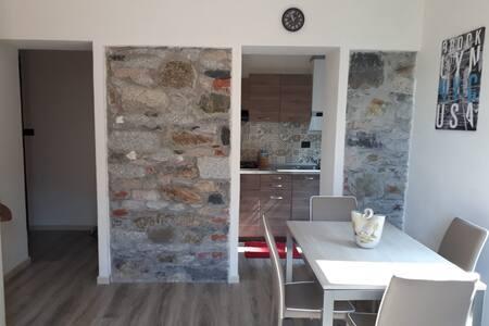 CA'BIANCA-Appartamento centrale con terrazzino