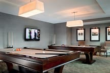 Building amenities: billiards room for another night-in option or for a quick game before heading out on the town.