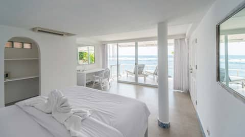 °1 Lovely Beachfront room with breathtaking view