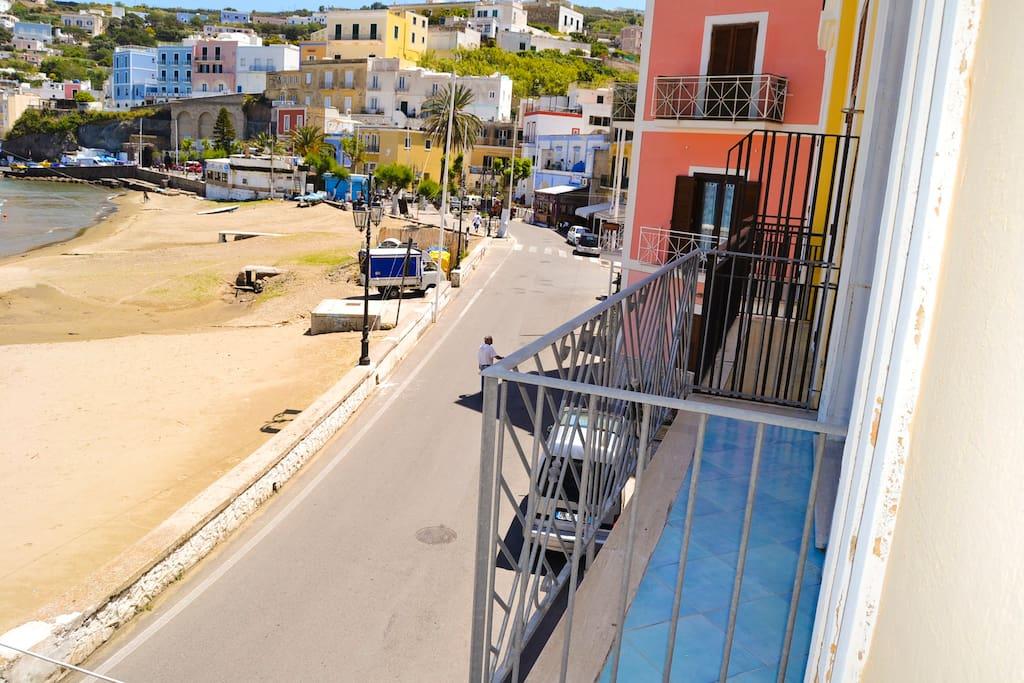 balcone su via Dante